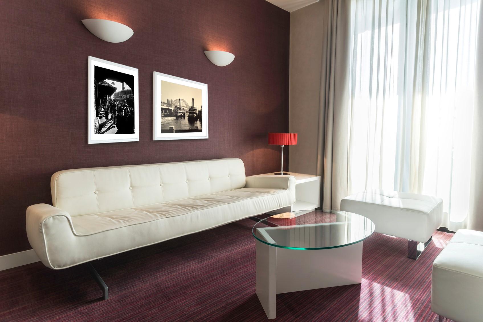 HOTELROOMLOUNGE